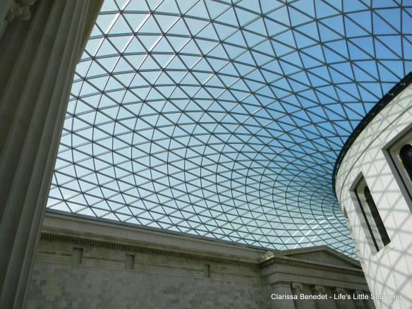 Detalhe do teto moderno no British Museum.